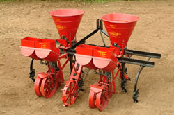 The Tp 61 Features A Rotary Type Distributor Which Is Independently Ground Driven For Consistent Flow Of Fertilizer